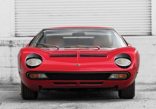 Lease a red 1971 Lamborghini Miura SV front