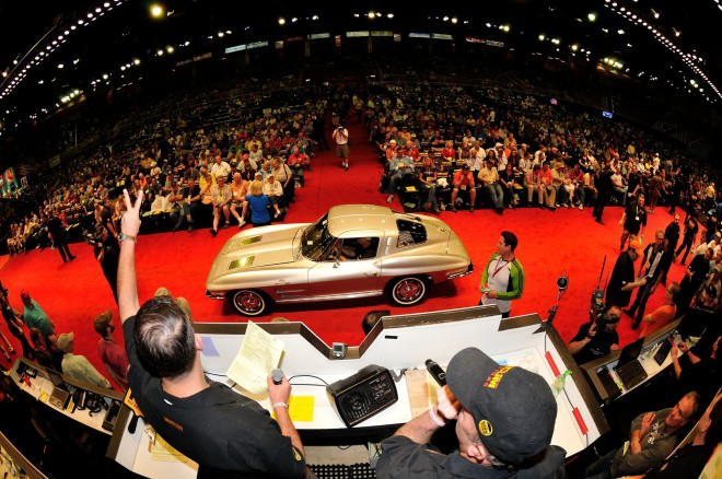 Auctioneer's view of Mecum auction in Kissimmee Flordia