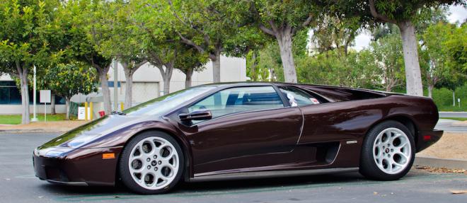 Lease a Lamborghini Diablo 6.0