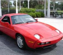 Lease a red Porsche 928 S4