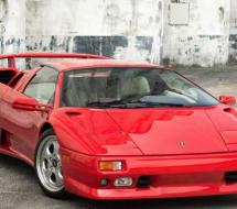 Lease a red Lamborghini Diablo