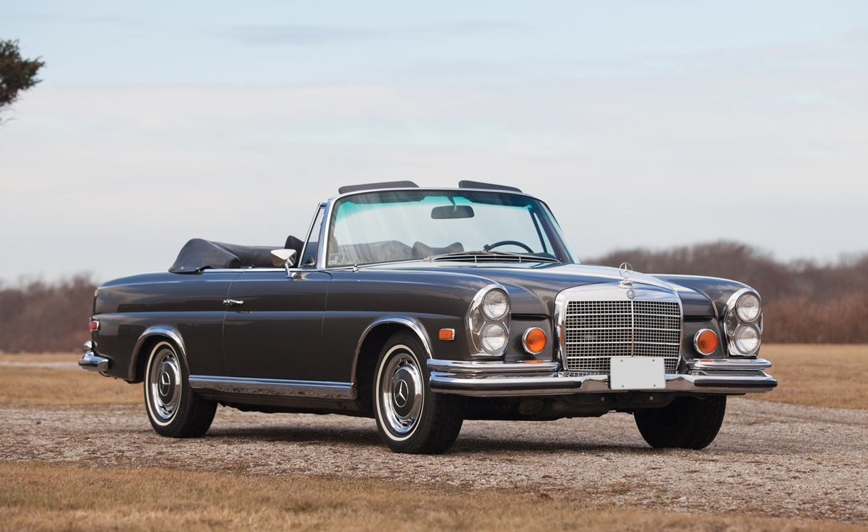 Twelve classic cars for christmas premier financial services for Mercede benz financial