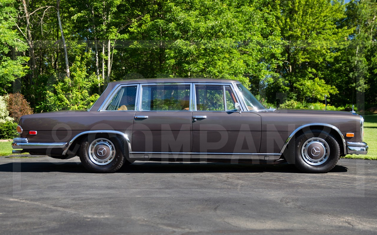 Model masterpiece mercedes benz 600 premier financial for Mercede benz financial