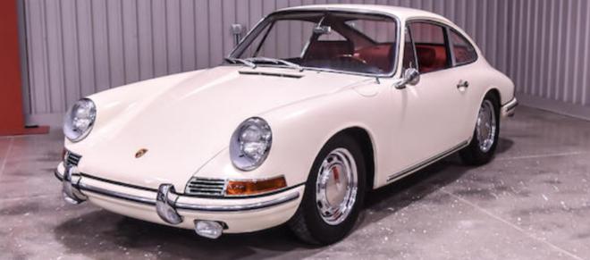 Lease a white Porsche 911