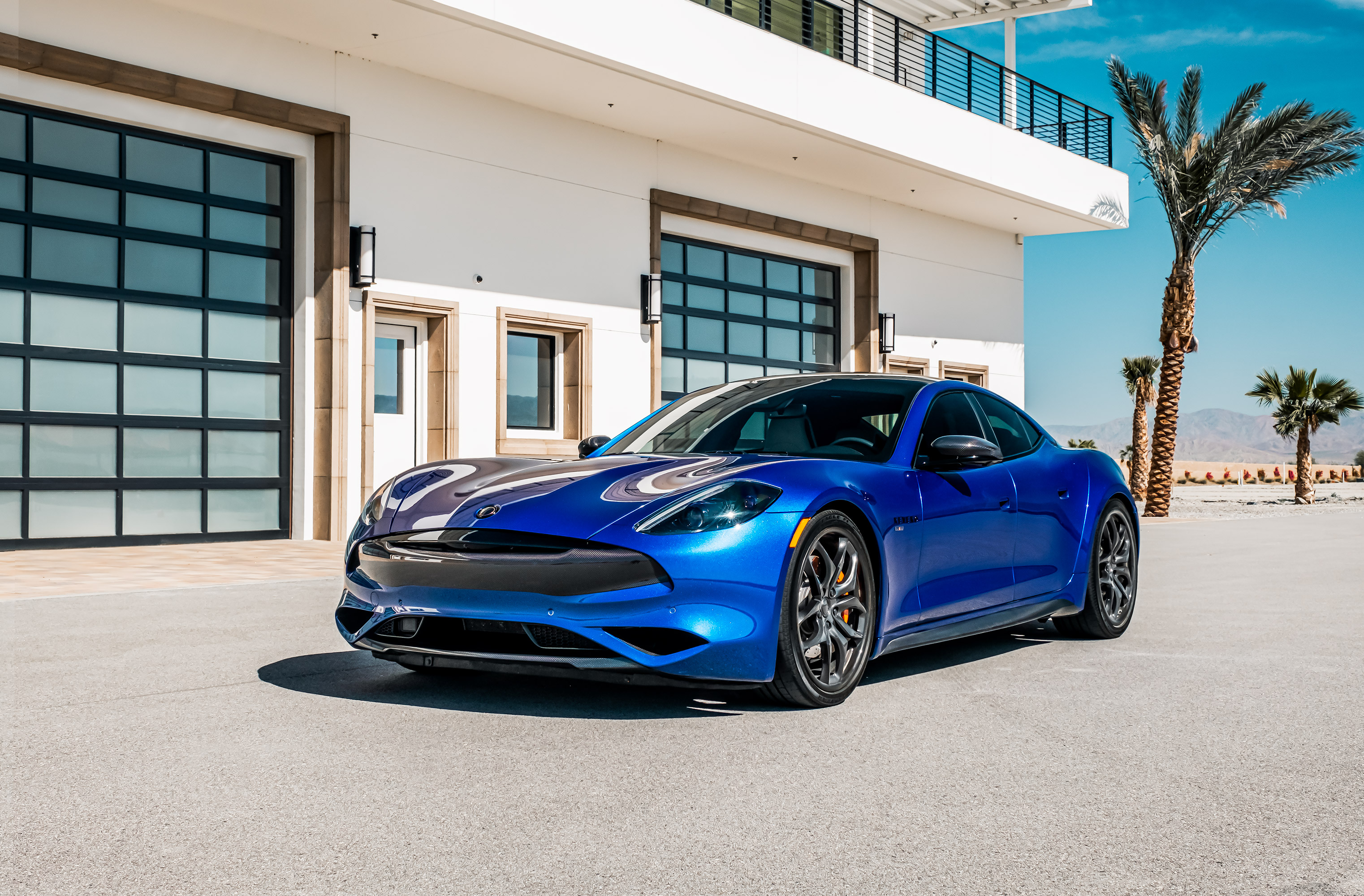 luxury car leasing