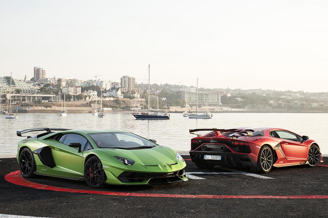 0 Lamborghini Aventado Svj1