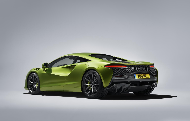 Rearview of Napier Green 2022 McLaren Artura. McLaren financing with #pfs_leasing