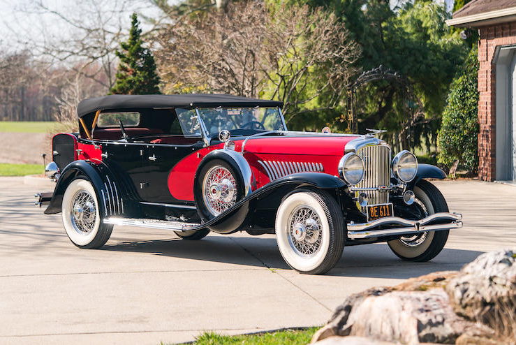 1933 Duesenberg Model J black and red, front right view