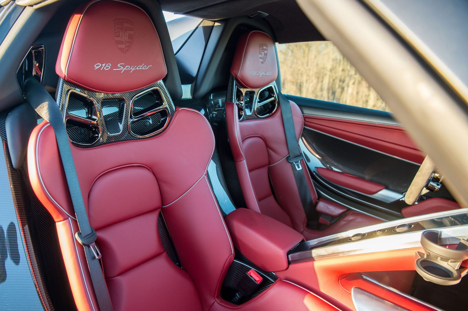 Porsche 918 Spyder red seats and interior, Porsche Lease